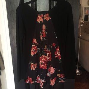 Le Lis Stitchfix Size M Floral Back Sweater